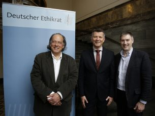 Dr Peter Dabrock, Chair of Deutsche Ethikrat, Jean Claude Ameisen, Chair of Conseil Consultatif Nationale d'Ethique and Professor Jonathan Montgomery, Chair of the Nuffield Council on Bioethics Photo: Deutsche Ethikrat